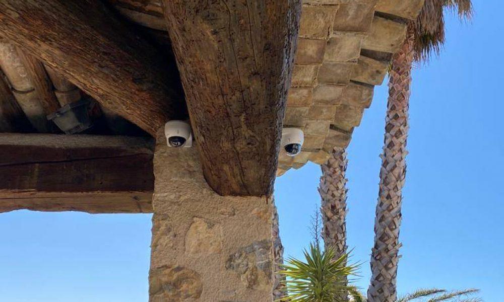 installer caméra de surveillance dans maison à vence